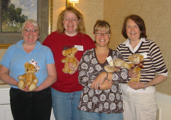 Laura Lynn with teddy bear class students
